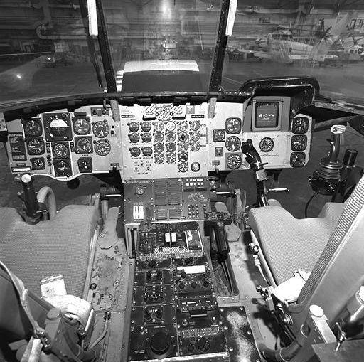 cockpit nasa saucer - photo #40