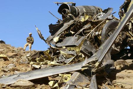 PARTIDA Y COMIDA DE HERMANDAD 19 DE DICIEMBRE - Página 4 Afghan_MH-47_Crashsite_b